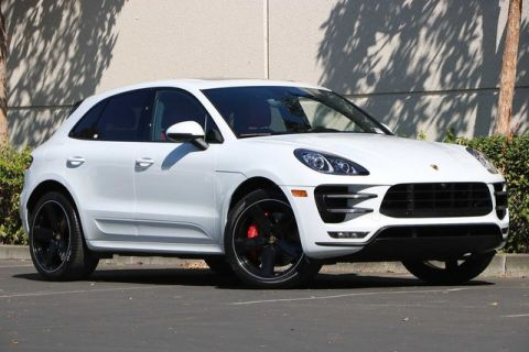 Certified Pre-Owned 2018 Porsche Macan Turbo w/Performance Pkg